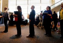 US weekly jobless claims unchanged at five-month high