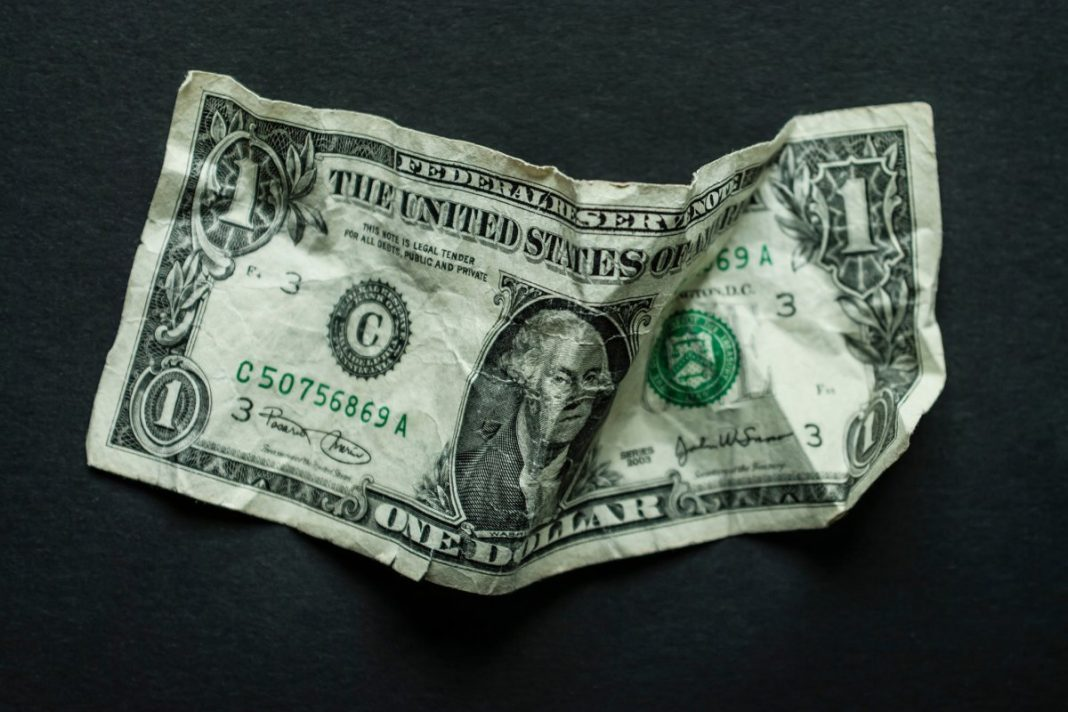 Dollar Finishes Week on a Mixed Note