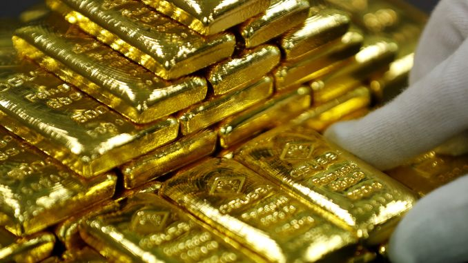Gold stands to gain further on trade uncertainty