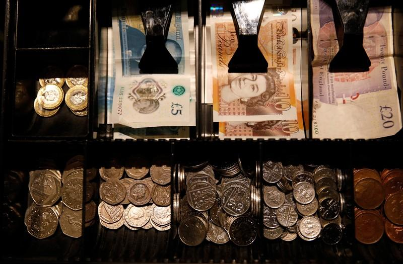 Sterling down slightly, but traders remain hopeful
