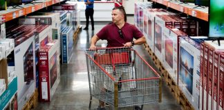 US consumer confidence falls for fourth consecutive month
