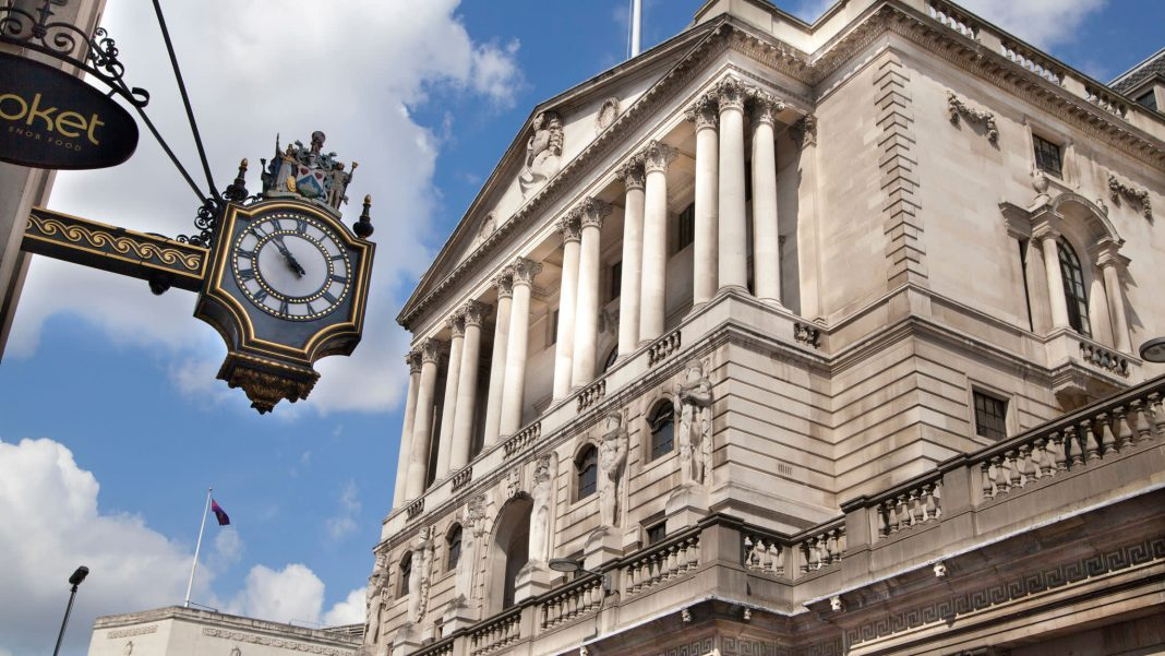 Bank of England failed to impress sterling, Brexit back in focus