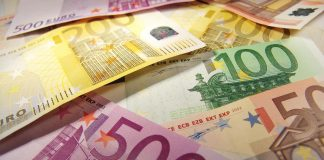 Euro sees a New Year rally, gets above 1.12 for the first time since August