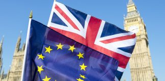 No-deal Brexit fears back in focus, sterling down