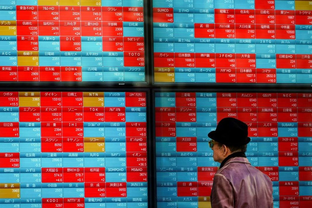 Global stocks keep bleeding on China virus fears