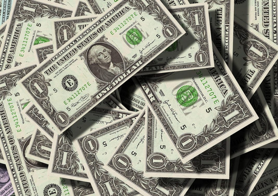 Dollar extends gains on strong employment data