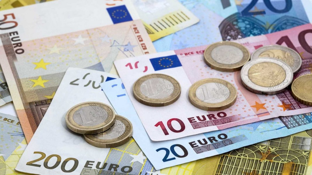 EURUSD lifted by European economic data