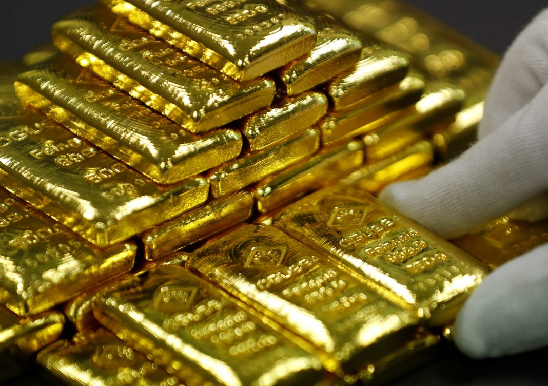 Gold rallies to seven-year highs on geopolitics