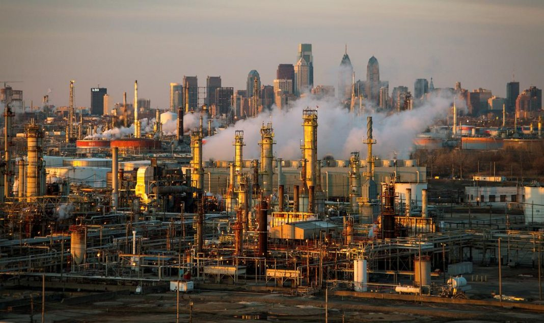 Ten U.S. oil refineries, including six in Texas, released the cancer-causing chemical benzene in concentrations that exceeded federal limits last year, according to government data published by the green group Environmental Integrity Project on Thursday.