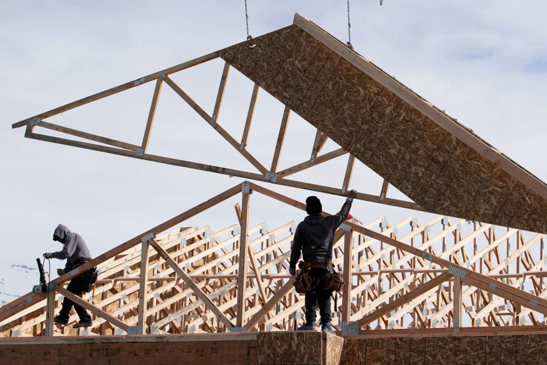 The Commerce Department said on Wednesday new home sales jumped 7.9% to a seasonally adjusted annual rate of 764,000 units last month, the highest level since July 2007.