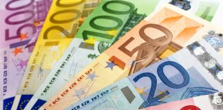 Dollar rises, EURUSD failed to benefit from risk-on sentiment