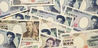 USDJPY keeps on declining as coronavirus continues conquering continents