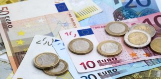 Markets recovered after yesterday's shock, EURUSD declined
