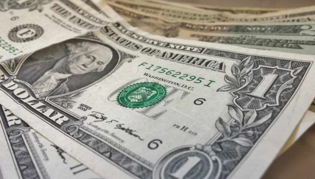 The dollar rebounded on Wednesday amid growing concerns that the damage to the global economy from the coronavirus pandemic will be long and protracted, boosting the safe-haven appeal of the greenback.