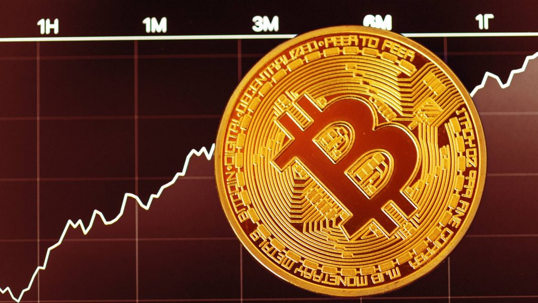 The number of computers running the Bitcoin program fell to its lowest level in almost three years, according to data calculated by one prominent Bitcoin developer.