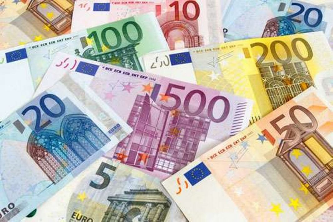 The euro held steady on Friday as an EU summit focused on a 750 billion euro recovery fund got underway, while geopolitical strains and fears of a second wave of COVID-19 cases set the dollar on track for its best weekly gain in a month.
