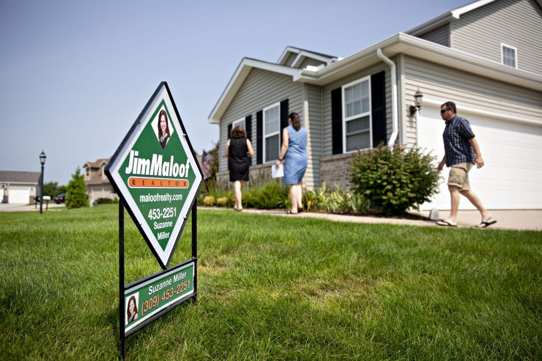 Homebuyer demand and an already strong refinance market pushed mortgage application volume up 4.1% last week, the Mortgage Bankers Association said.
