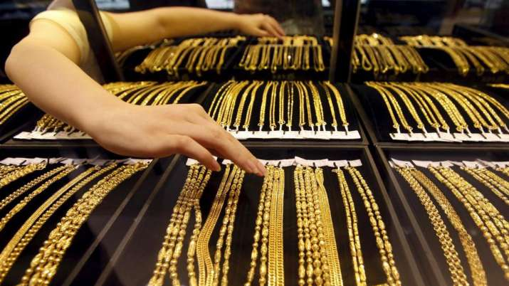 Gold prices struggle to recover in pre-Christmas trading